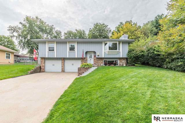 7411 Washington Street, Ralston, NE 68127 (MLS #22024391) :: One80 Group/Berkshire Hathaway HomeServices Ambassador Real Estate