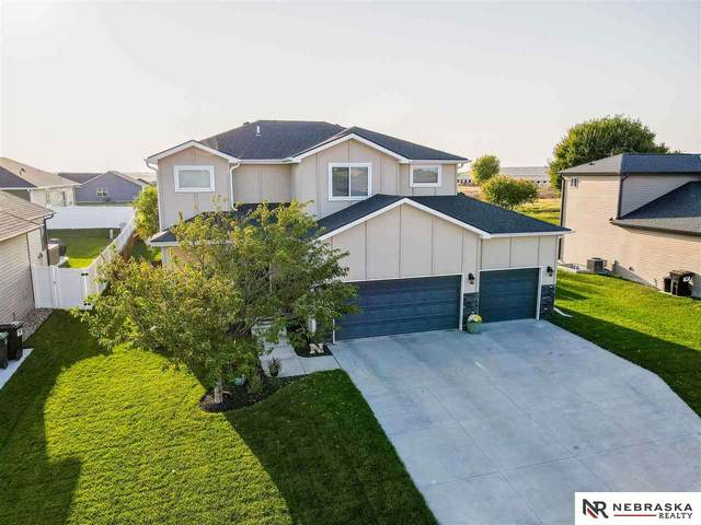 1303 Ridge Road, Hickman, NE 68372 (MLS #22024437) :: Lincoln Select Real Estate Group