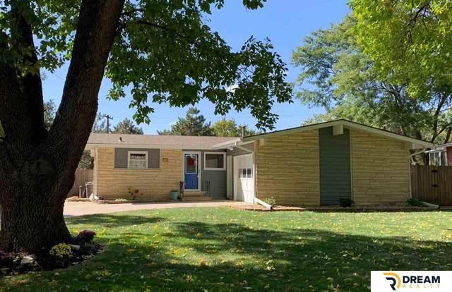 2706 N 97 Avenue, Omaha, NE 68134 (MLS #22024472) :: Capital City Realty Group