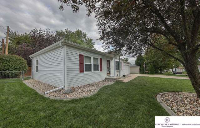 7605 S 40th Street, Bellevue, NE 68147 (MLS #22024541) :: The Homefront Team at Nebraska Realty