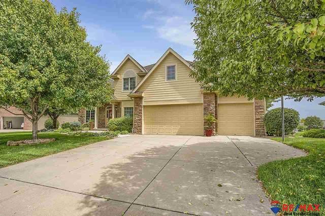 9717 Hazeltine Avenue, Omaha, NE 68136 (MLS #22024784) :: Capital City Realty Group