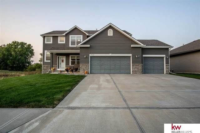 17416 Clay Street, Bennington, NE 68007 (MLS #22025133) :: Complete Real Estate Group