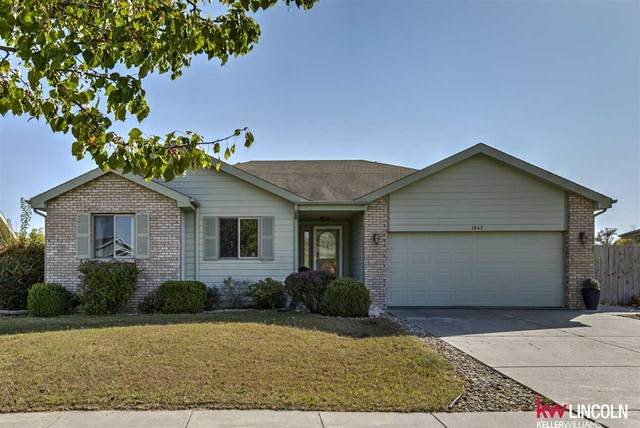 1842 SW 30th Street, Lincoln, NE 68522 (MLS #22025260) :: Dodge County Realty Group