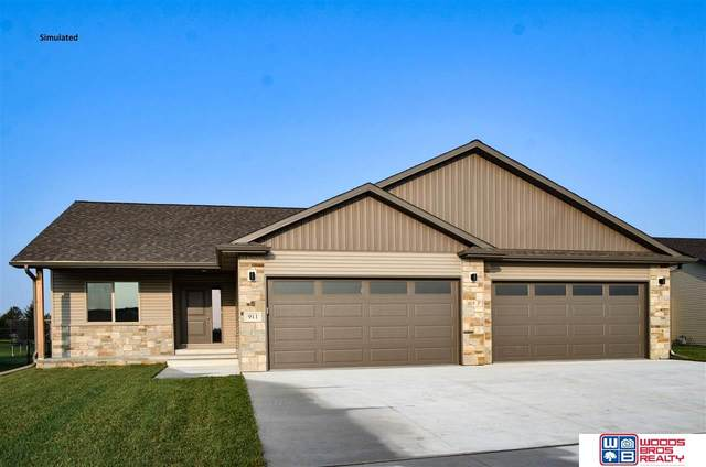 841 Terrace View Drive, Hickman, NE 68372 (MLS #22025538) :: Lincoln Select Real Estate Group