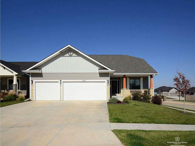 8205 S 65th Street, Lincoln, NE 68516 (MLS #22025585) :: The Briley Team