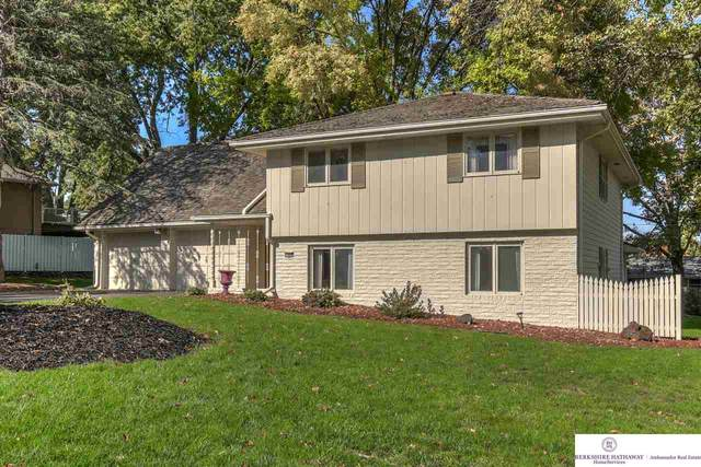 12406 Pinewood Drive, Omaha, NE 68144 (MLS #22025767) :: Capital City Realty Group
