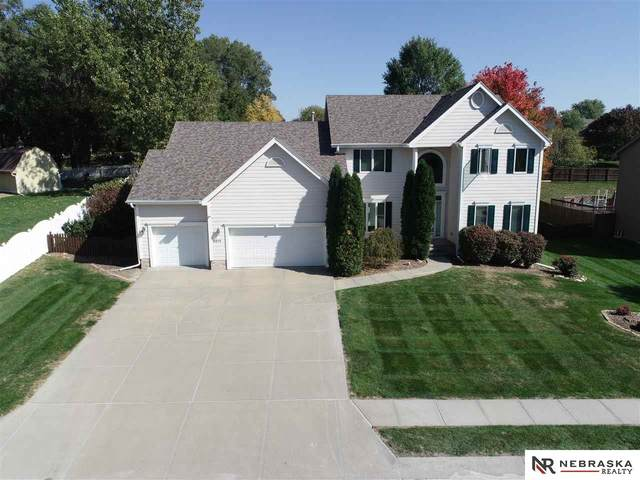 6011 S 182nd Avenue, Omaha, NE 68135 (MLS #22025781) :: Cindy Andrew Group