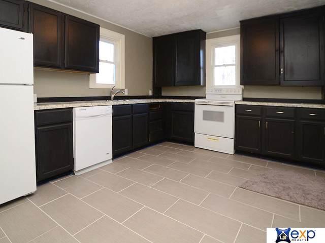 4554 Charles Street, Omaha, NE 68132 (MLS #22025860) :: One80 Group/Berkshire Hathaway HomeServices Ambassador Real Estate