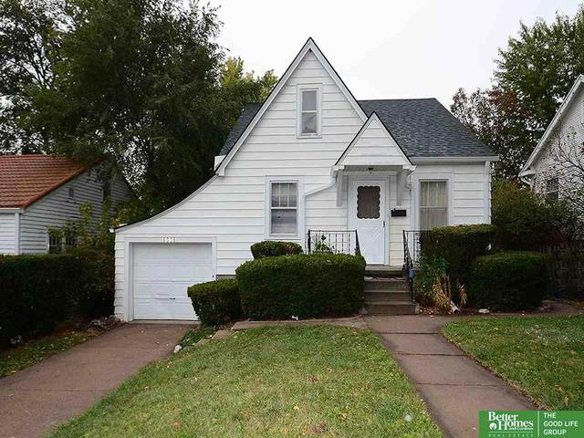 6036 Pinkney Street, Omaha, NE 68104 (MLS #22025968) :: Catalyst Real Estate Group
