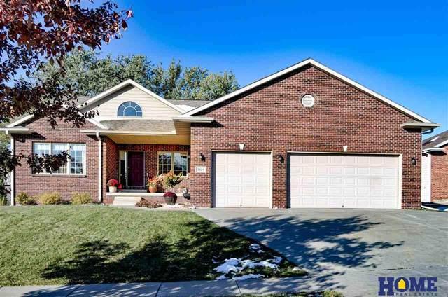3325 Longview Court, Lincoln, NE 68506 (MLS #22026070) :: One80 Group/Berkshire Hathaway HomeServices Ambassador Real Estate
