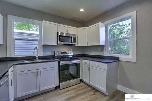 3202 N 45 Street, Omaha, NE 68104 (MLS #22026225) :: Dodge County Realty Group