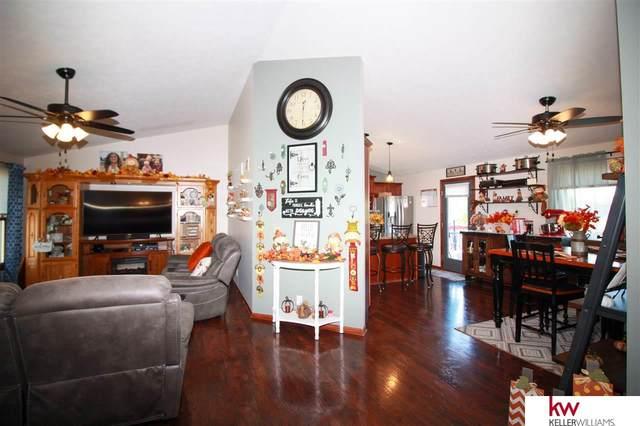 1851 SW 27th Street, Lincoln, NE 68522 (MLS #22026266) :: Stuart & Associates Real Estate Group