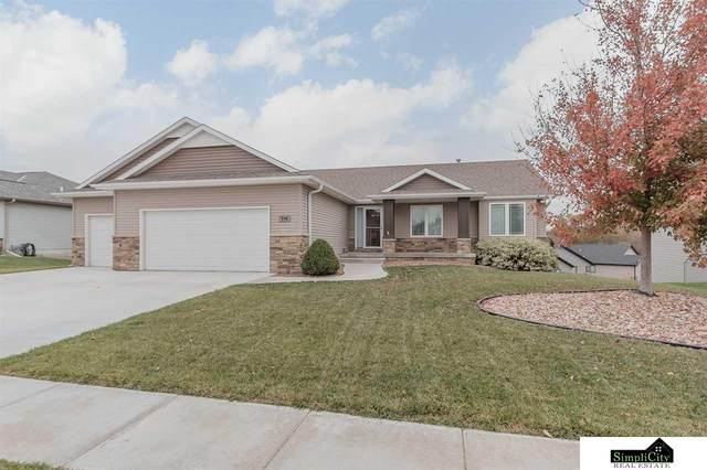 914 Autumn Road, Hickman, NE 68372 (MLS #22026303) :: Lincoln Select Real Estate Group