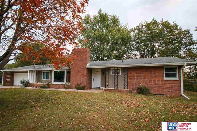 530 Village View Drive, Hickman, NE 68372 (MLS #22026312) :: Lincoln Select Real Estate Group