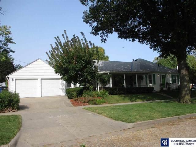3005 S 19 Street, Lincoln, NE 68502 (MLS #22026371) :: One80 Group/Berkshire Hathaway HomeServices Ambassador Real Estate