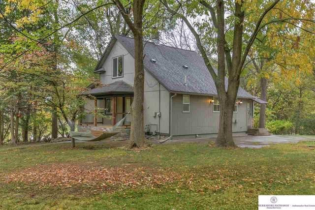 411 E 16 Avenue, Bellevue, NE 68005 (MLS #22026424) :: Stuart & Associates Real Estate Group