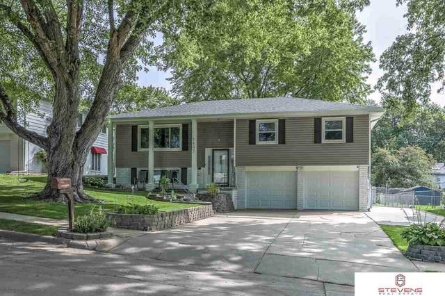 1605 N 106th Street, Omaha, NE 68114 (MLS #22026435) :: Lincoln Select Real Estate Group