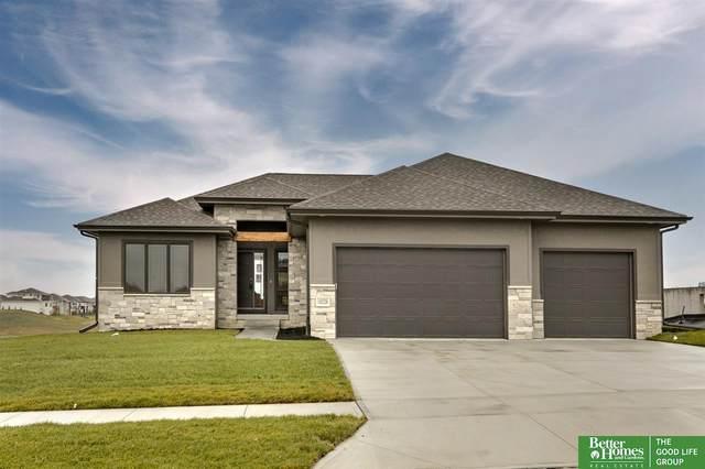 10228 Osprey Lane, Papillion, NE 68046 (MLS #22026614) :: kwELITE