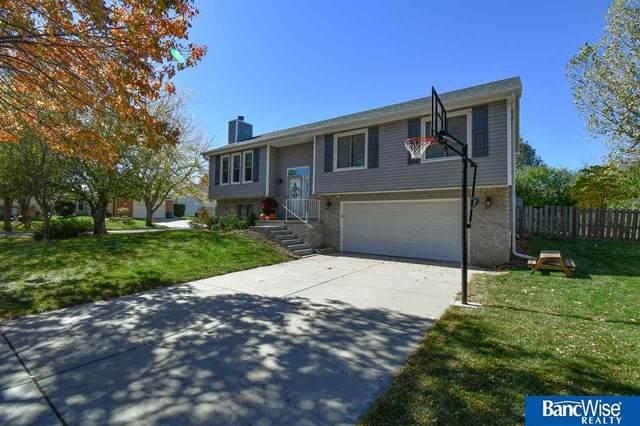 7231 S 31St Place, Lincoln, NE 68516 (MLS #22026636) :: kwELITE