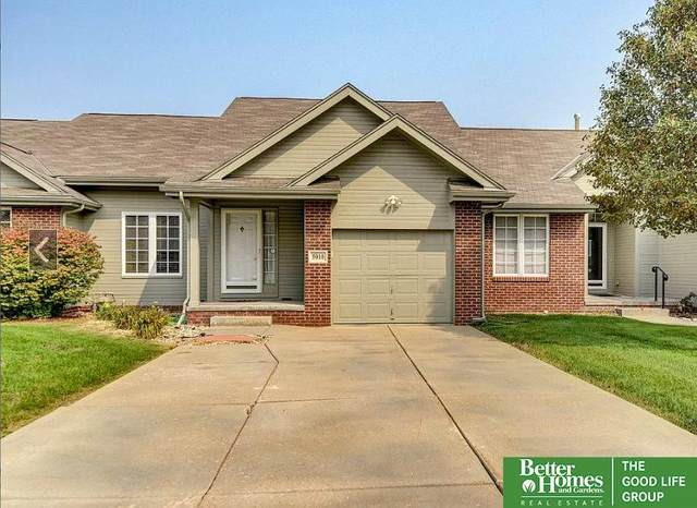 5010 Fountain Drive, Papillion, NE 68133 (MLS #22026662) :: The Briley Team
