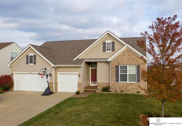 10705 S 113 Avenue, Papillion, NE 68046 (MLS #22026781) :: Cindy Andrew Group