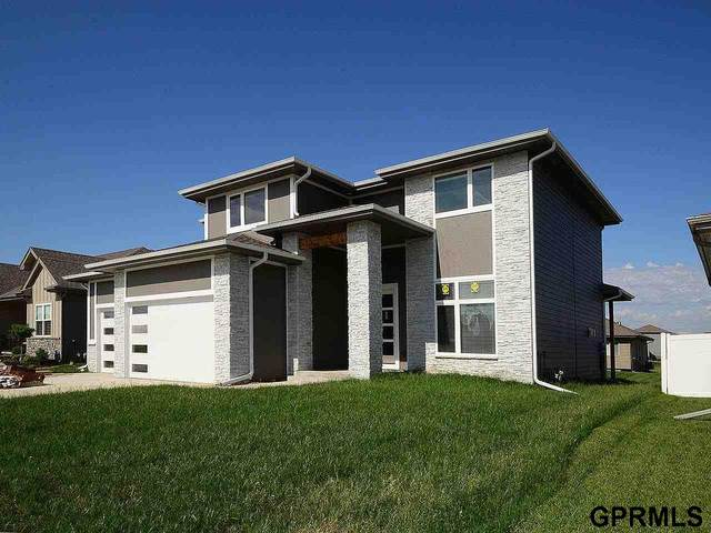 17233 Rachel Snowden Parkway, Bennington, NE 68007 (MLS #22026789) :: Capital City Realty Group
