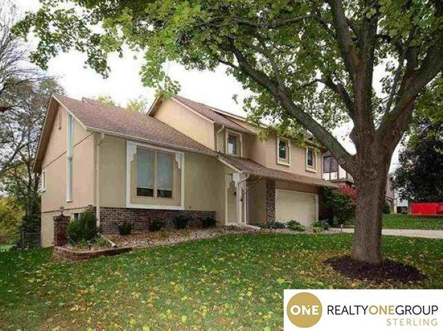 11341 Taylor Street, Omaha, NE 68164 (MLS #22026821) :: Cindy Andrew Group