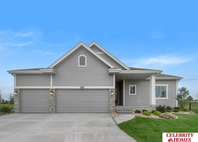 2027 Hummingbird Drive, Bellevue, NE 68123 (MLS #22026885) :: Catalyst Real Estate Group