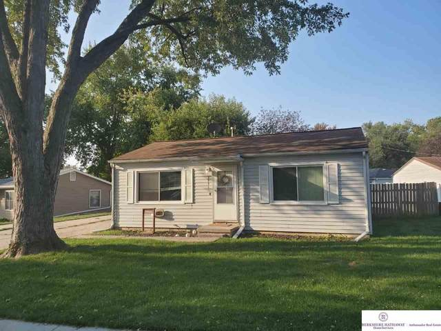 3951 High Meadow Lane, Bellevue, NE 68147 (MLS #22026912) :: Catalyst Real Estate Group