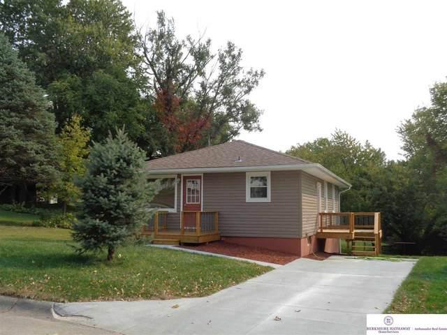 405 Hillcrest Drive, Plattsmouth, NE 68048 (MLS #22026954) :: One80 Group/Berkshire Hathaway HomeServices Ambassador Real Estate