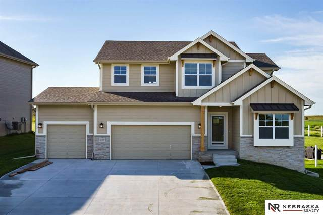 21310 G Street, Elkhorn, NE 68022 (MLS #22027066) :: Cindy Andrew Group