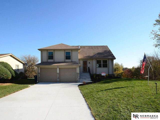 11707 S 37th Street, Bellevue, NE 68123 (MLS #22027077) :: One80 Group/Berkshire Hathaway HomeServices Ambassador Real Estate