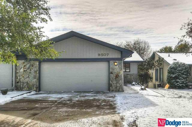 9507 Parker Street, Omaha, NE 68114 (MLS #22027123) :: One80 Group/Berkshire Hathaway HomeServices Ambassador Real Estate