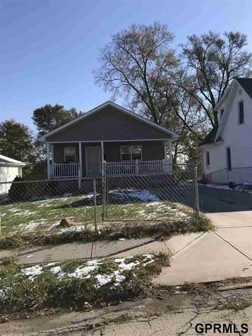 4517 N 37 Street, Omaha, NE 68111 (MLS #22027125) :: Catalyst Real Estate Group