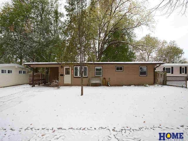 619 E Eldora Lane, Lincoln, NE 68505 (MLS #22027138) :: One80 Group/Berkshire Hathaway HomeServices Ambassador Real Estate