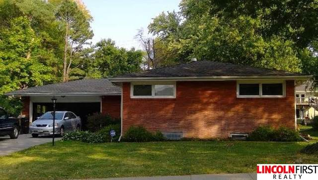 2400 Stockwell Street, Lincoln, NE 68502 (MLS #22027151) :: Complete Real Estate Group