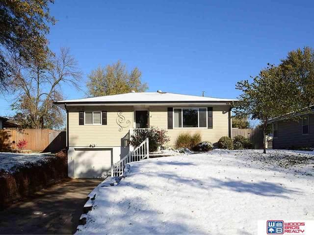 338 West Plains Road, Gretna, NE 68028 (MLS #22027154) :: One80 Group/Berkshire Hathaway HomeServices Ambassador Real Estate