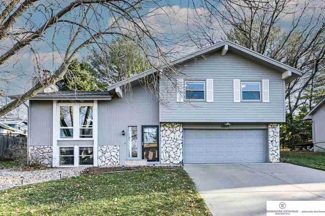 12711 Grant Circle, Omaha, NE 68164 (MLS #22027170) :: Capital City Realty Group