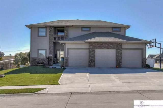 11019 Edgewater Drive, Papillion, NE 68046 (MLS #22027173) :: One80 Group/Berkshire Hathaway HomeServices Ambassador Real Estate