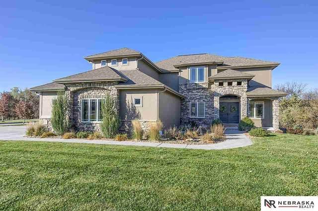 2604 N 179th Street, Omaha, NE 68116 (MLS #22027177) :: One80 Group/Berkshire Hathaway HomeServices Ambassador Real Estate