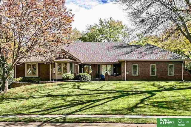 1307 N 127th Avenue, Omaha, NE 68154 (MLS #22027180) :: One80 Group/Berkshire Hathaway HomeServices Ambassador Real Estate