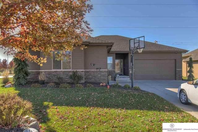 18601 Mason Street, Elkhorn, NE 68022 (MLS #22027187) :: One80 Group/Berkshire Hathaway HomeServices Ambassador Real Estate