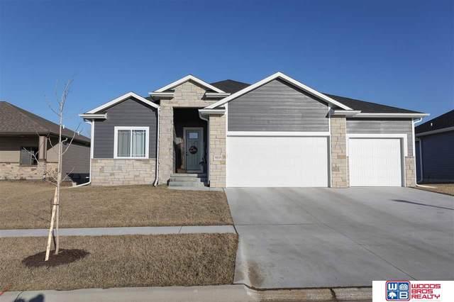 8751 S 81st Street, Lincoln, NE 68516 (MLS #22027192) :: One80 Group/Berkshire Hathaway HomeServices Ambassador Real Estate