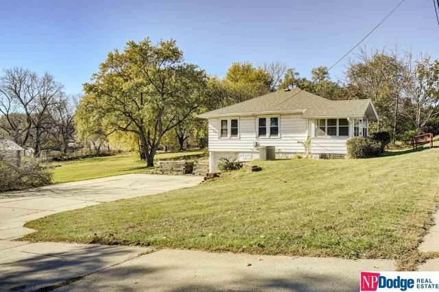 7613 Maple Street, Omaha, NE 68134 (MLS #22027198) :: One80 Group/Berkshire Hathaway HomeServices Ambassador Real Estate