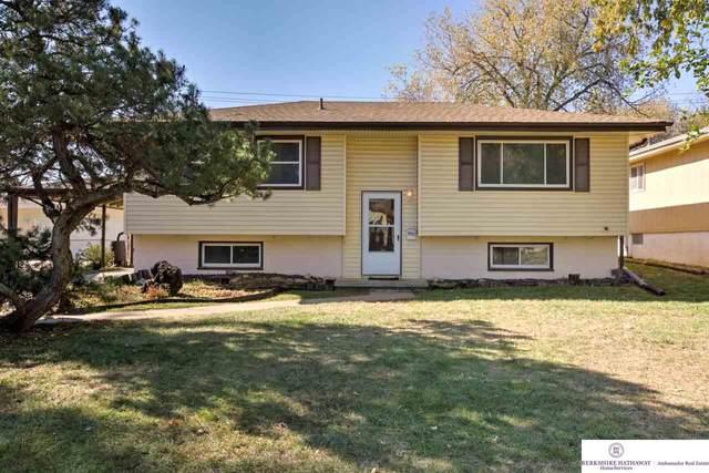 7711 Park View Boulevard, Papillion, NE 68128 (MLS #22027201) :: One80 Group/Berkshire Hathaway HomeServices Ambassador Real Estate