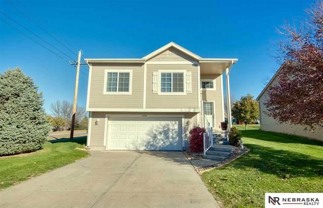 19154 L Street, Omaha, NE 68135 (MLS #22027211) :: One80 Group/Berkshire Hathaway HomeServices Ambassador Real Estate