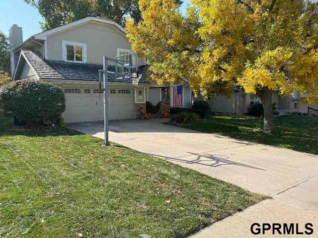 15723 Westchester Circle, Omaha, NE 68118 (MLS #22027240) :: Complete Real Estate Group