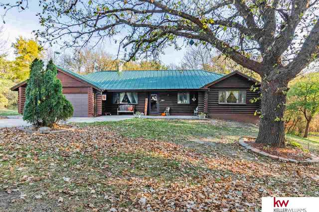 13719 Wallace Drive, Plattsmouth, NE 68048 (MLS #22027279) :: Lincoln Select Real Estate Group
