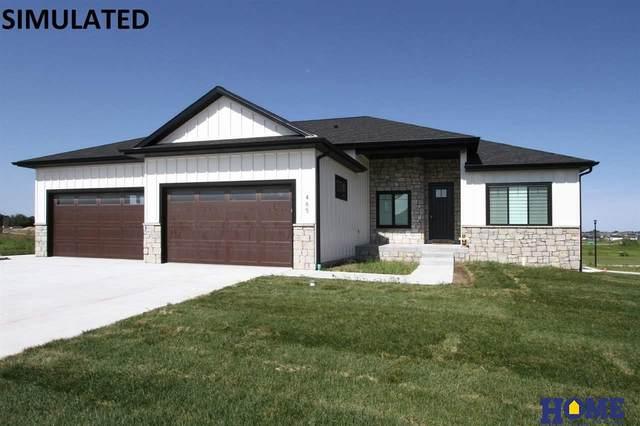 8910 Ranch Gate Road, Lincoln, NE 68520 (MLS #22027363) :: The Briley Team