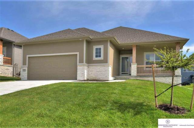 9702 S 184th Avenue, Omaha, NE 68136 (MLS #22028005) :: Catalyst Real Estate Group